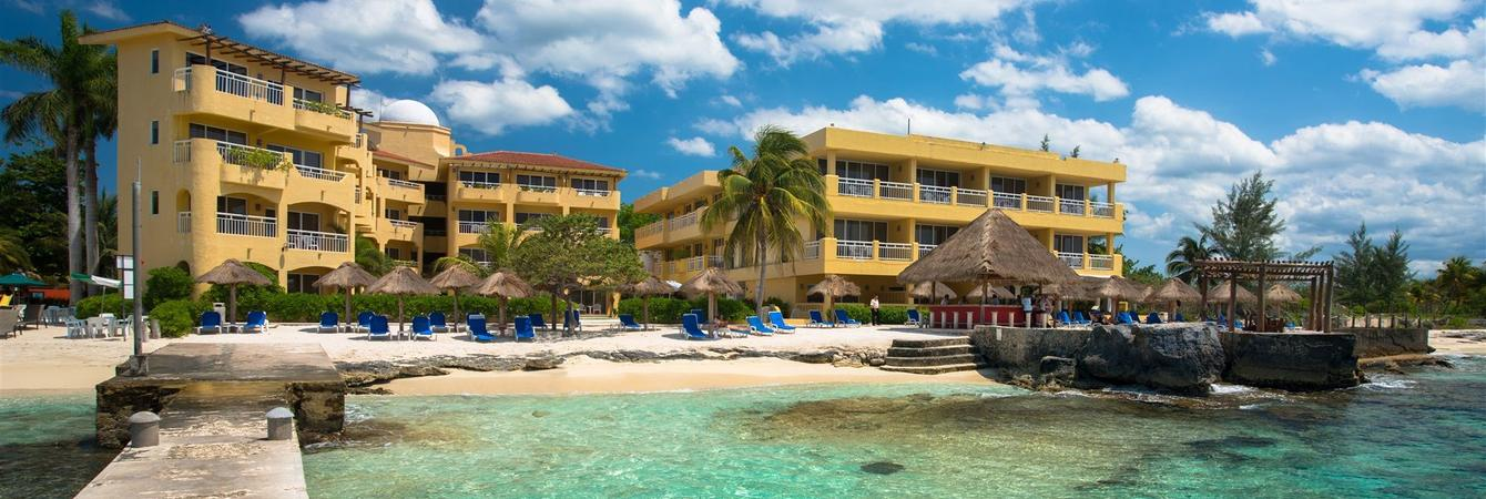 This 3 Star Hotel Offers Free Unlimited Green Fee 30 Cart Access To The Near By Jack Nicholas Designed Cozumel Golf And Country Club